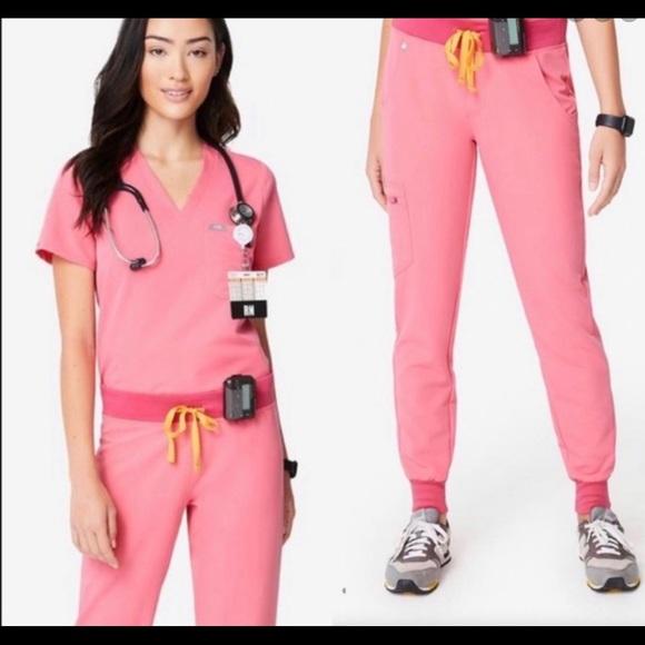Figs neon pink scrub set m/l